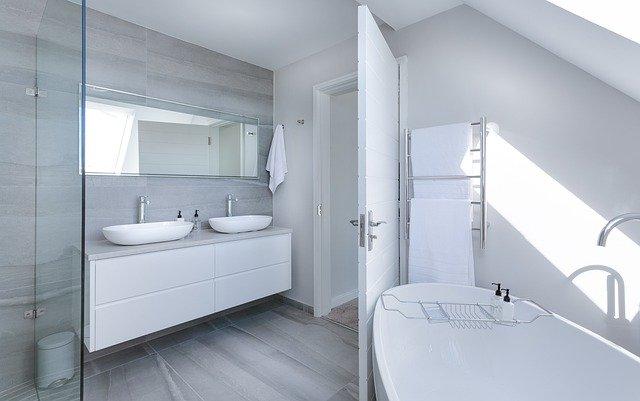 Trasformazione vasca da bagno in doccia a Torino